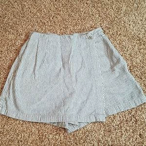 🍭Vintage GAP skort railroad strips COOL FIND🍭